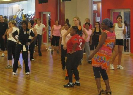 group-dancing-and-tiny-tots